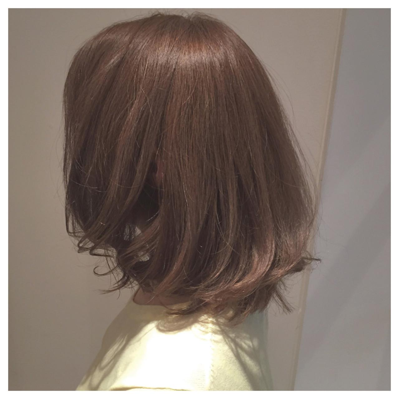 伸ばしかけ ストリート ミディアム グレージュ ヘアスタイルや髪型の写真・画像 | 佐々田 広大 / Chord【コード】