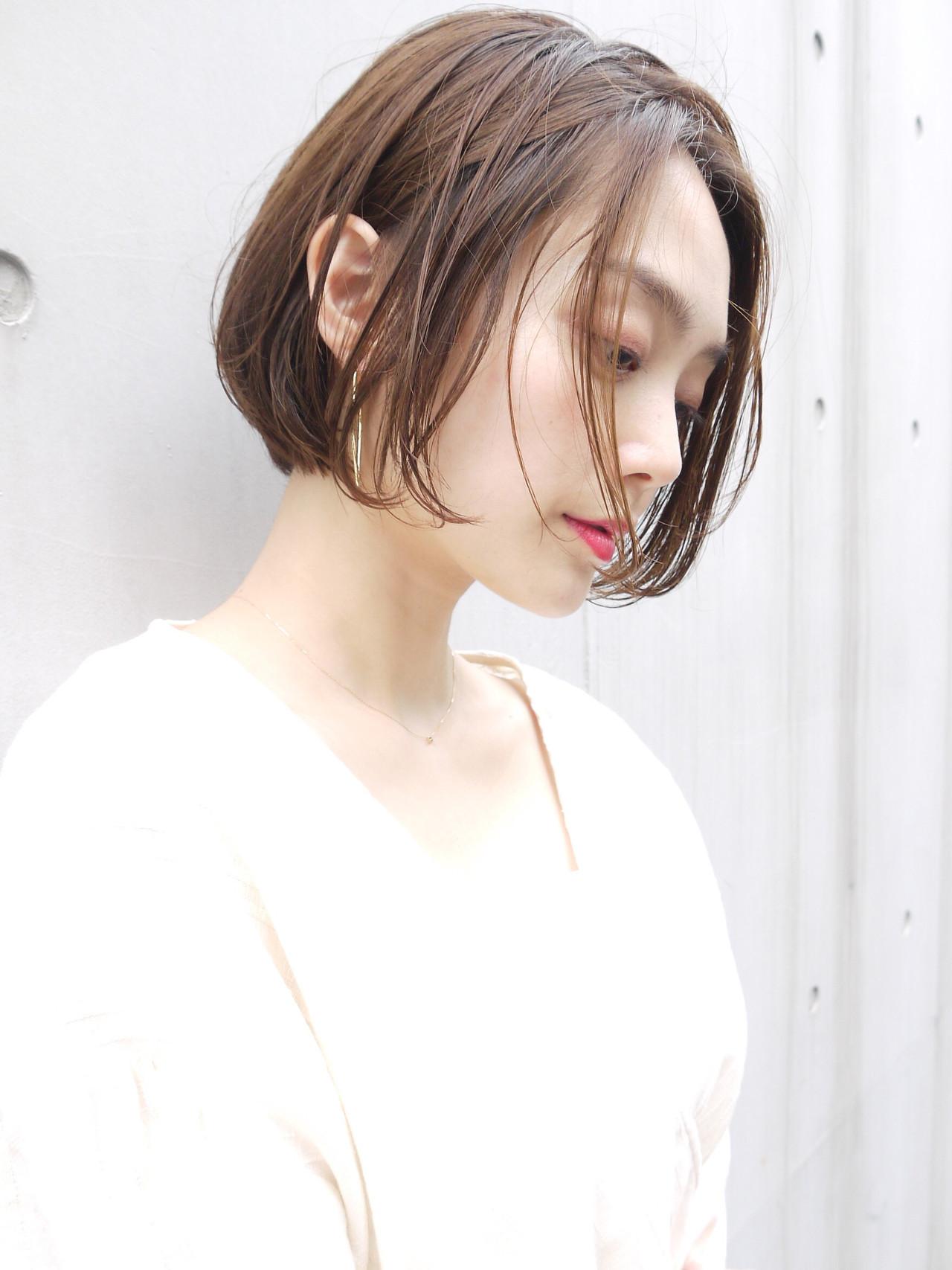 ボブ イルミナカラー 大人かわいい オフィス ヘアスタイルや髪型の写真・画像 | HIROKI / roijir / roijir