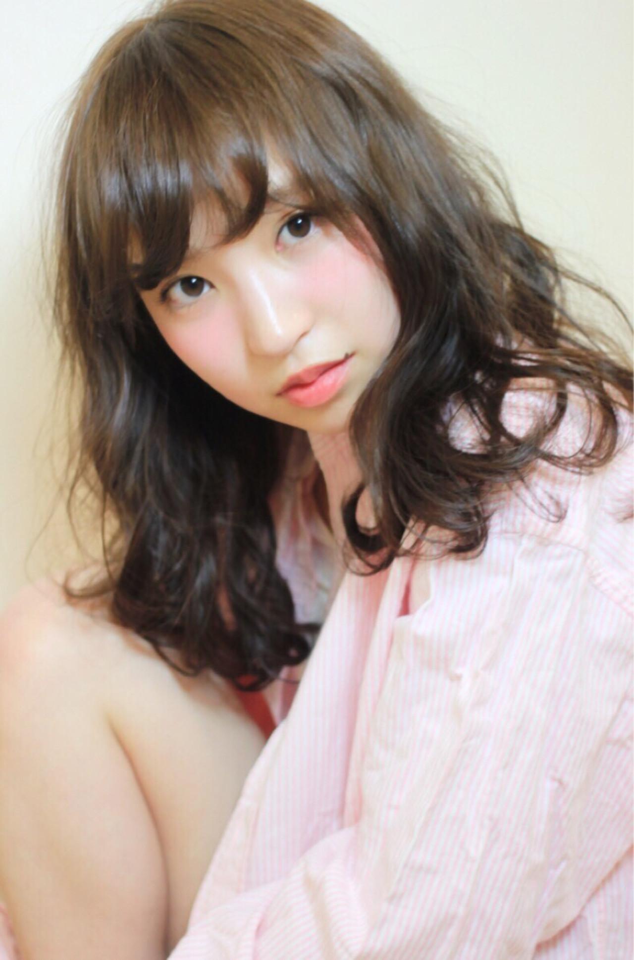 セミロング ゆるふわ パーマ 大人かわいい ヘアスタイルや髪型の写真・画像 | kaoru /