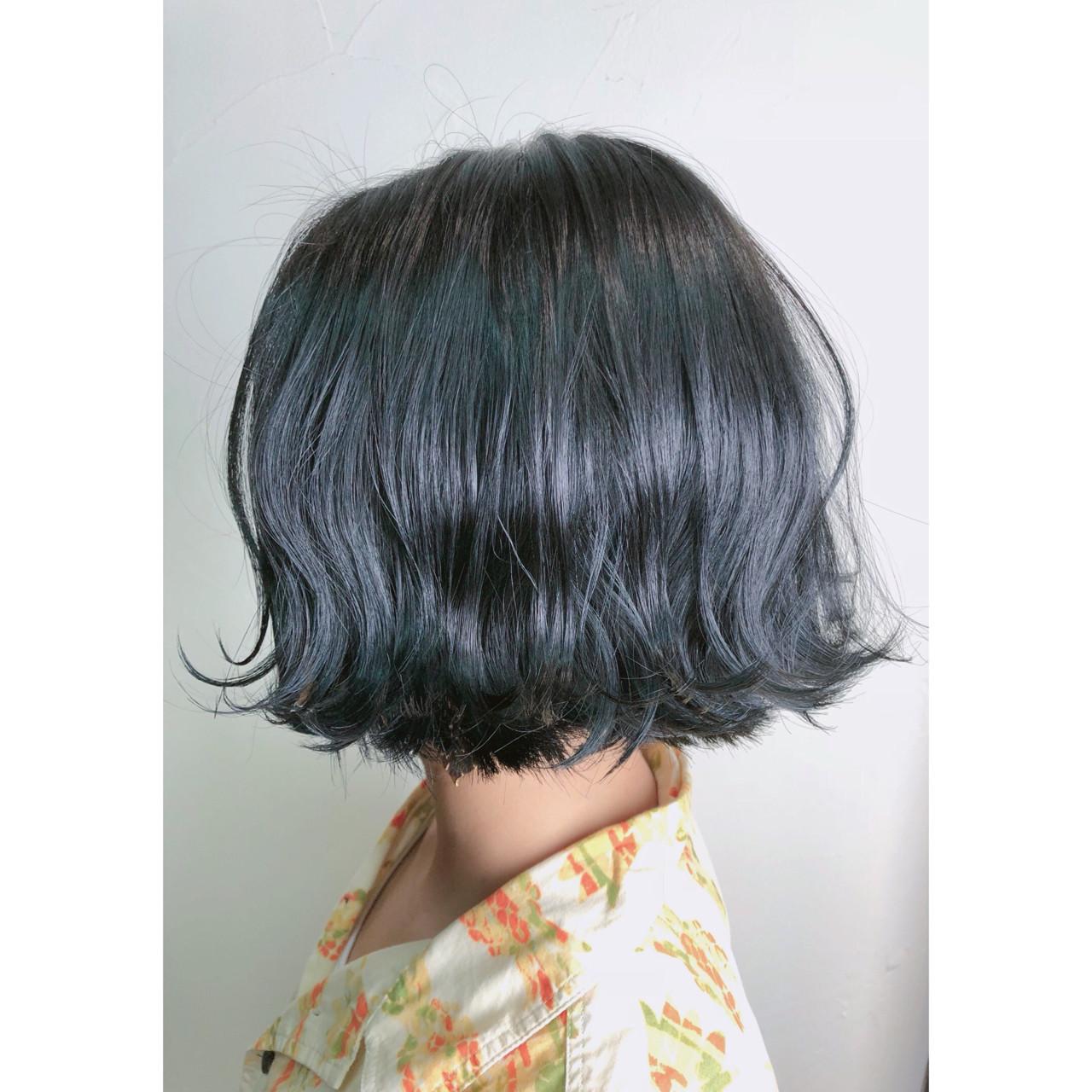 グレージュ 暗髪 切りっぱなし ナチュラル ヘアスタイルや髪型の写真・画像 | TAKUMI KAWAHORI / ankclassic