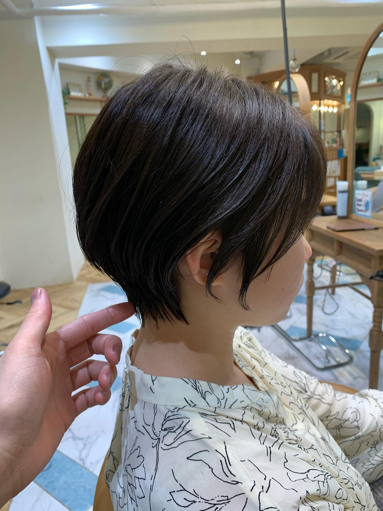 ショート 前下がりショート 可愛い ふんわり ヘアスタイルや髪型の写真・画像 | 山口 健太 / Lond ange