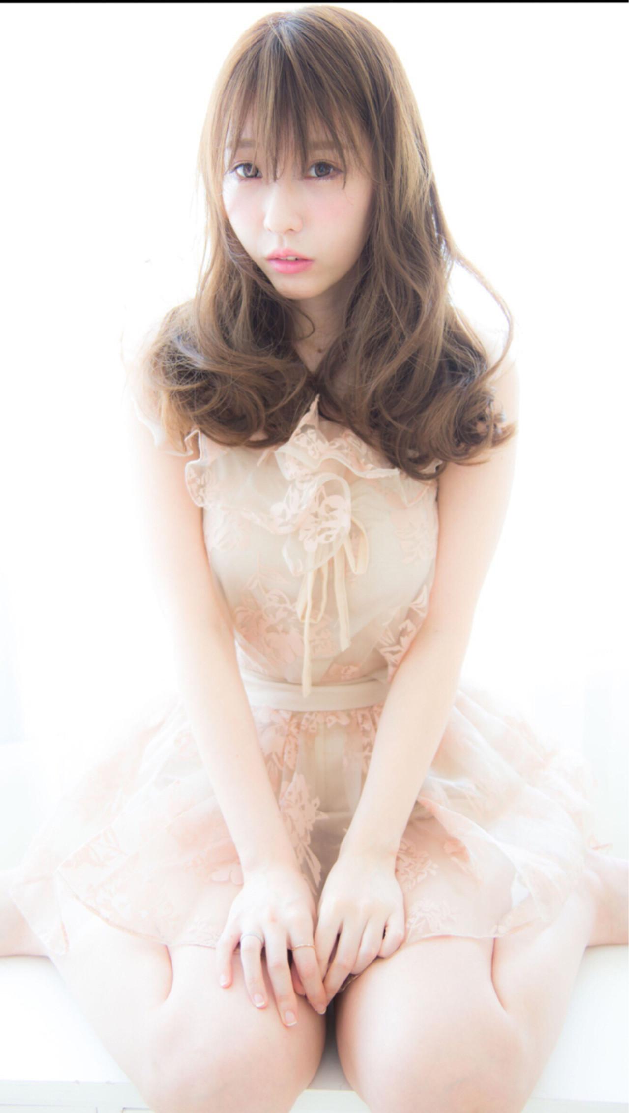 アッシュ ガーリー 大人かわいい ゆるふわ ヘアスタイルや髪型の写真・画像 | 今井 寛子 / LOUIMADNA栄