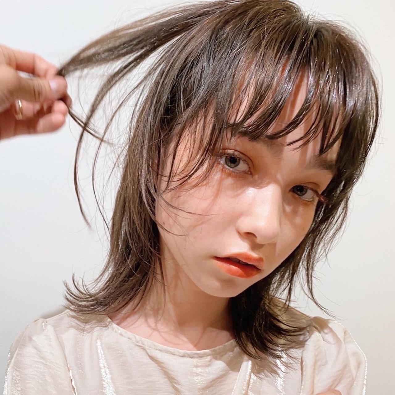 ナチュラル 前髪 ウルフカット 大人かわいい ヘアスタイルや髪型の写真・画像