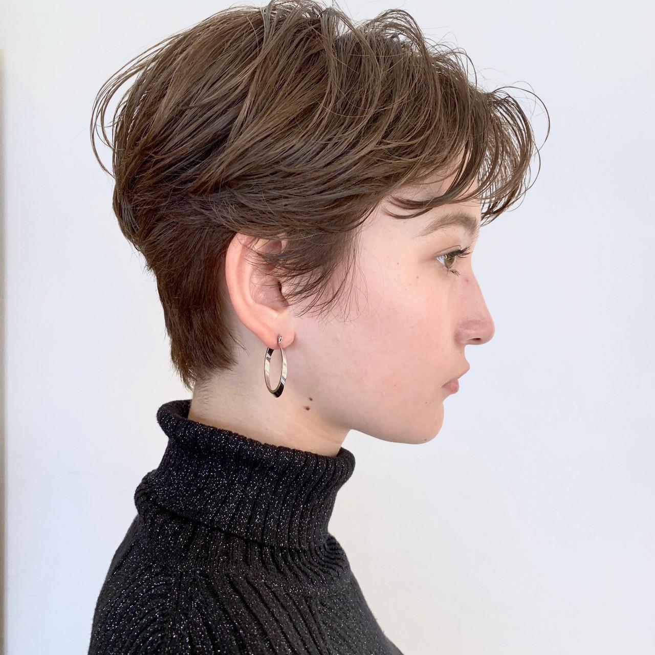 ショート 地毛風カラー ベリーショート グレージュヘアスタイルや髪型の写真・画像