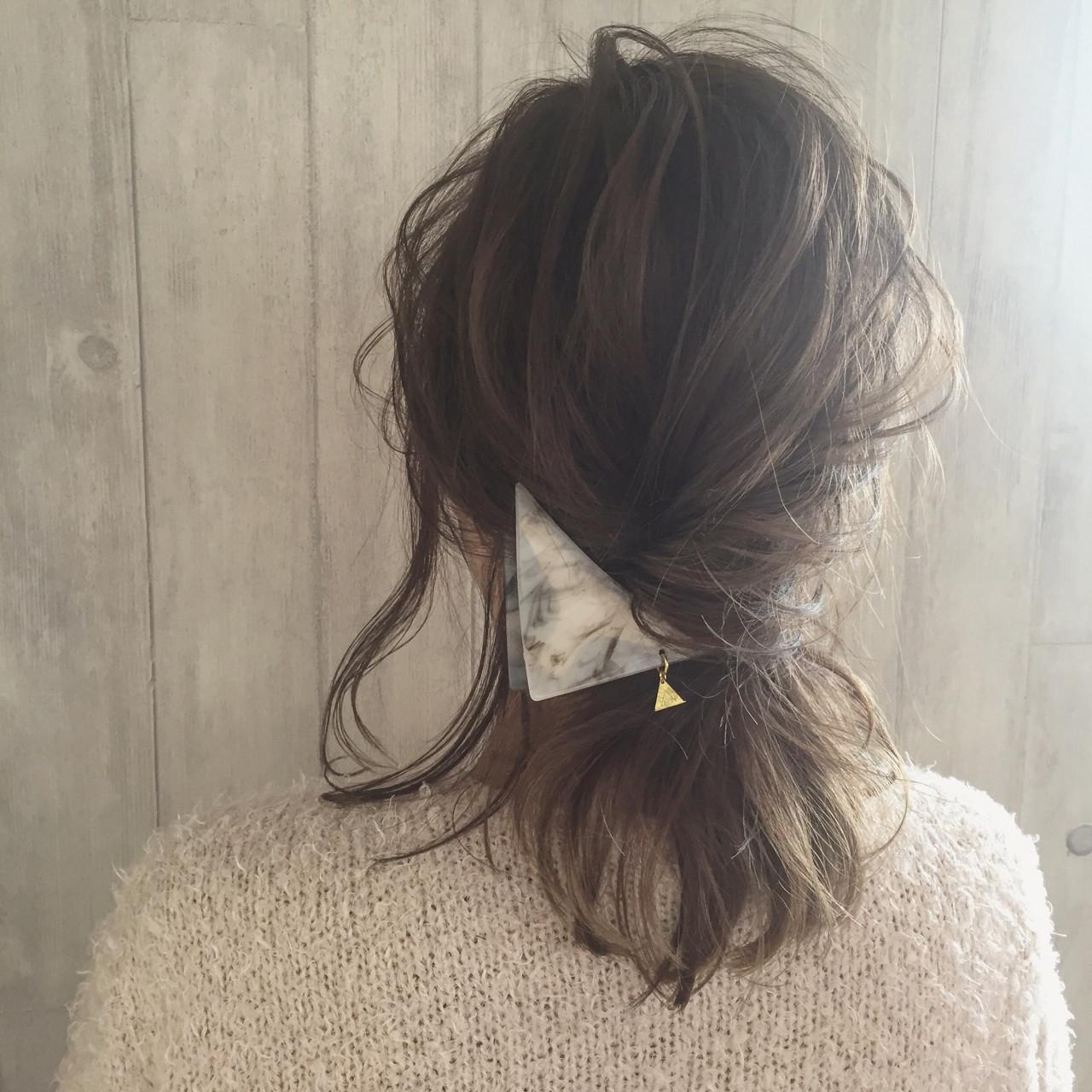 ヘアアレンジ 外国人風 簡単ヘアアレンジ 三角クリップヘアスタイルや髪型の写真・画像