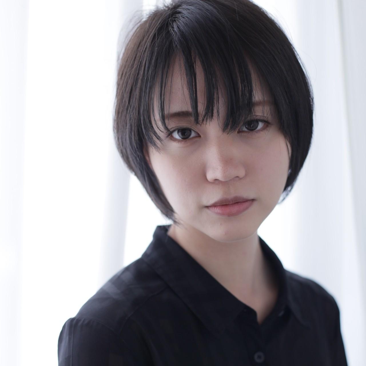 黒髪 スモーキーカラー ナチュラル ショート ヘアスタイルや髪型の写真・画像 | Saori Kastuki / holic