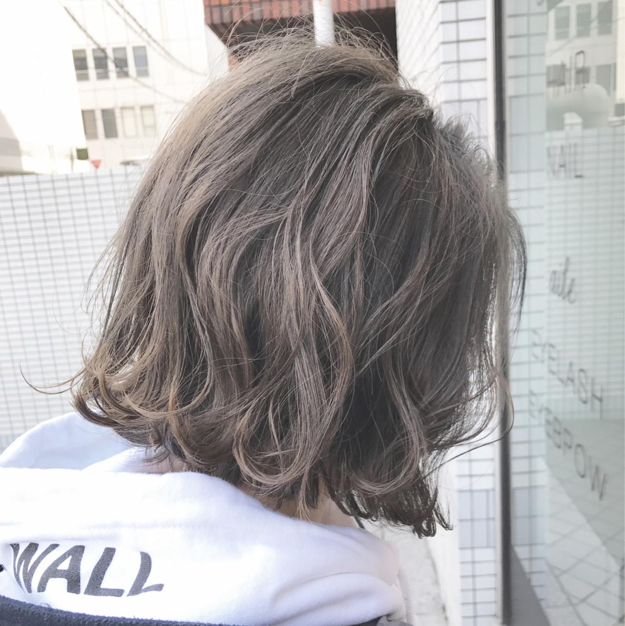 簡単ヘアアレンジ ナチュラル 切りっぱなし アッシュグレージュ ヘアスタイルや髪型の写真・画像 | 永尾 拓也 / unopulir LOG梅田茶屋町店(ウノプリール)