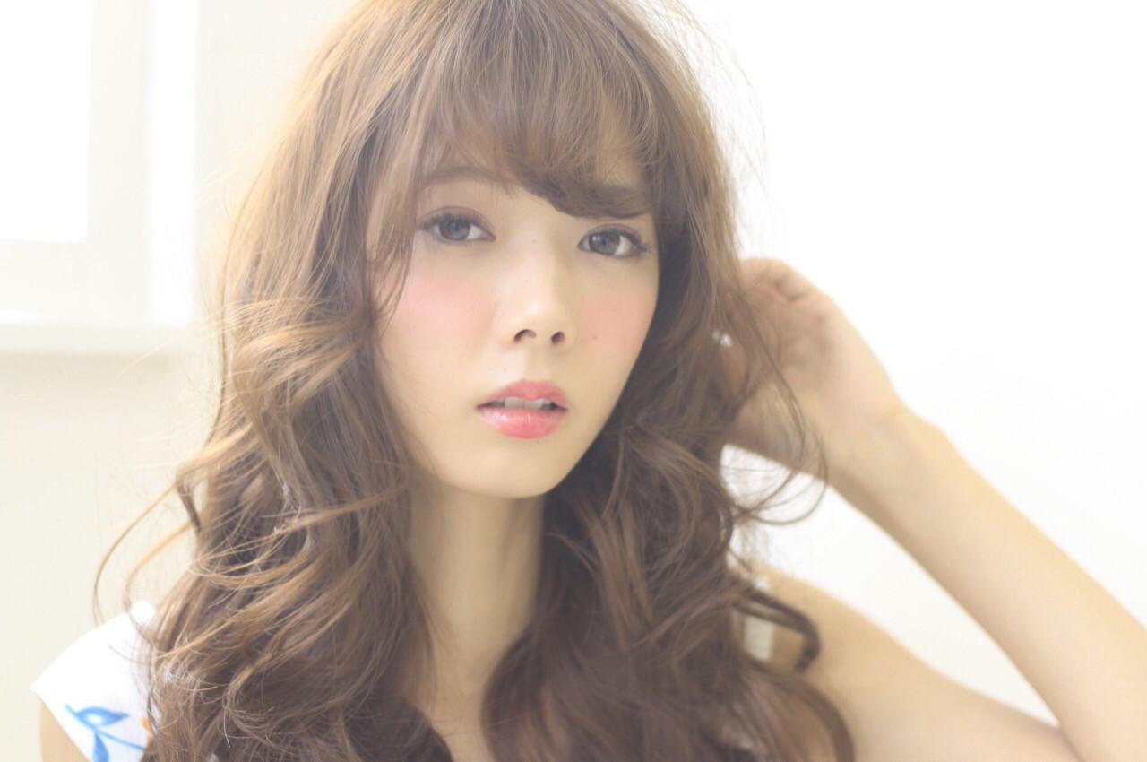 フェミニン ロング ナチュラル 前髪あり ヘアスタイルや髪型の写真・画像 | 井上一平 / Blue Hair LAU 心斎橋