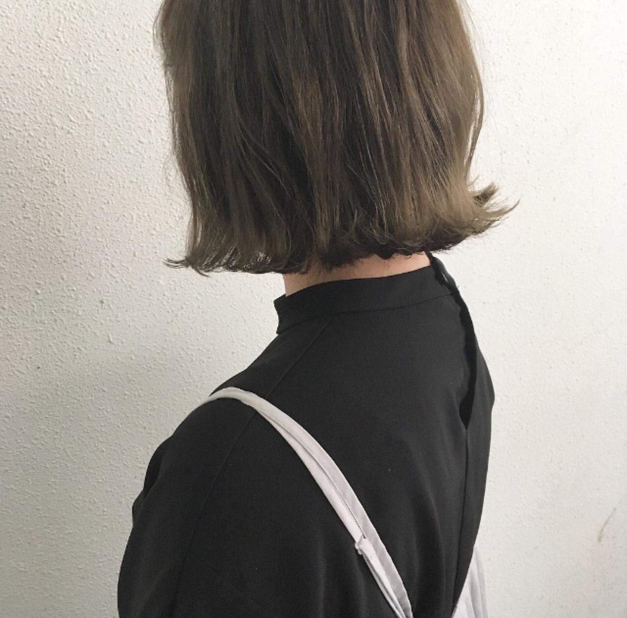 外ハネ ロブ 切りっぱなし ボブヘアスタイルや髪型の写真・画像