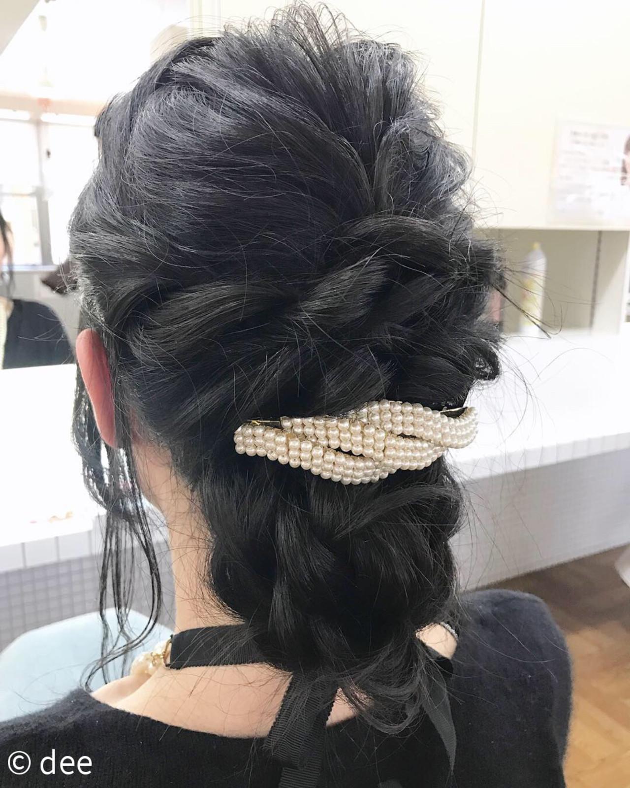バレッタ 結婚式 黒髪 ロング ヘアスタイルや髪型の写真・画像   dee / dee