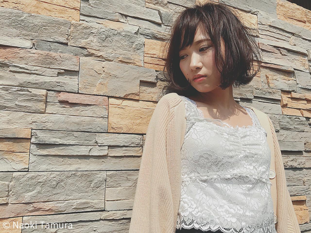 ショートボブ ショート 切りっぱなし 大人女子 ヘアスタイルや髪型の写真・画像   Naoki Tamura / 、