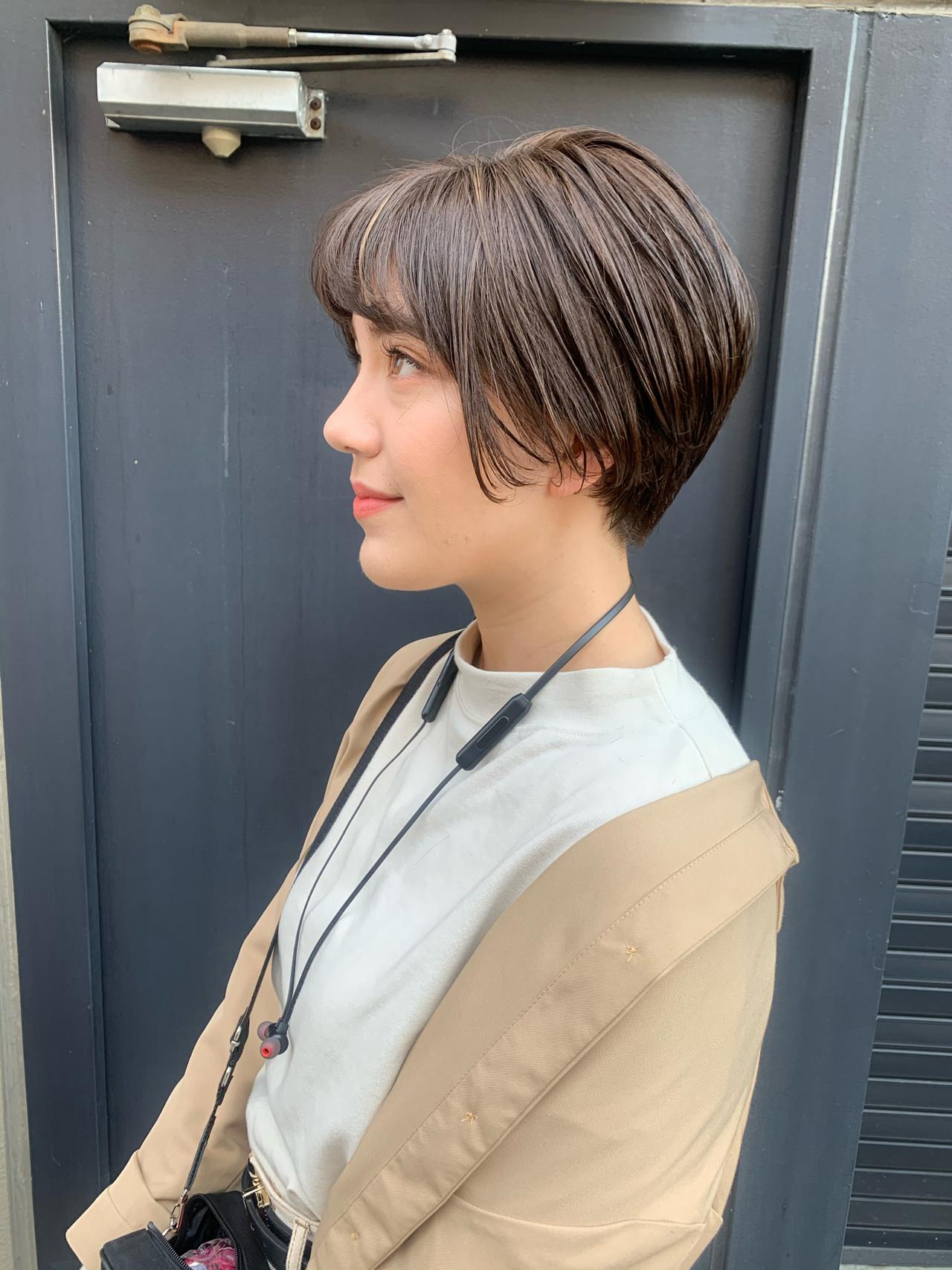 ショート 透明感カラー ショートヘア グレージュヘアスタイルや髪型の写真・画像