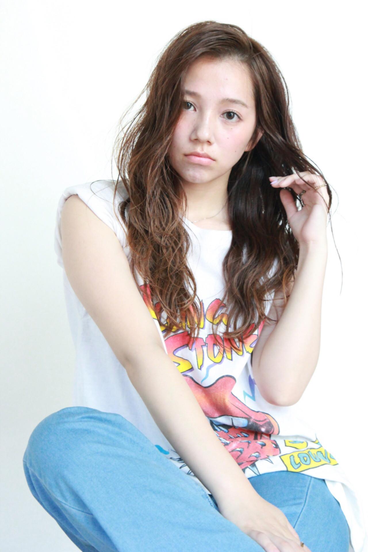 ロング ストリート パーマ 外国人風 ヘアスタイルや髪型の写真・画像   廣田 崇明 / FLOWERS