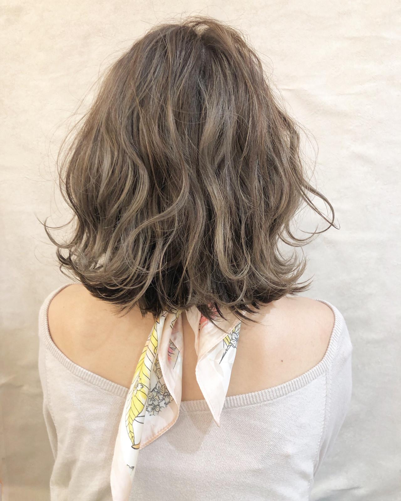 ハイライト オフィス スポーツ ミディアム ヘアスタイルや髪型の写真・画像 | 安永怜 / kakimotoarms田園調布