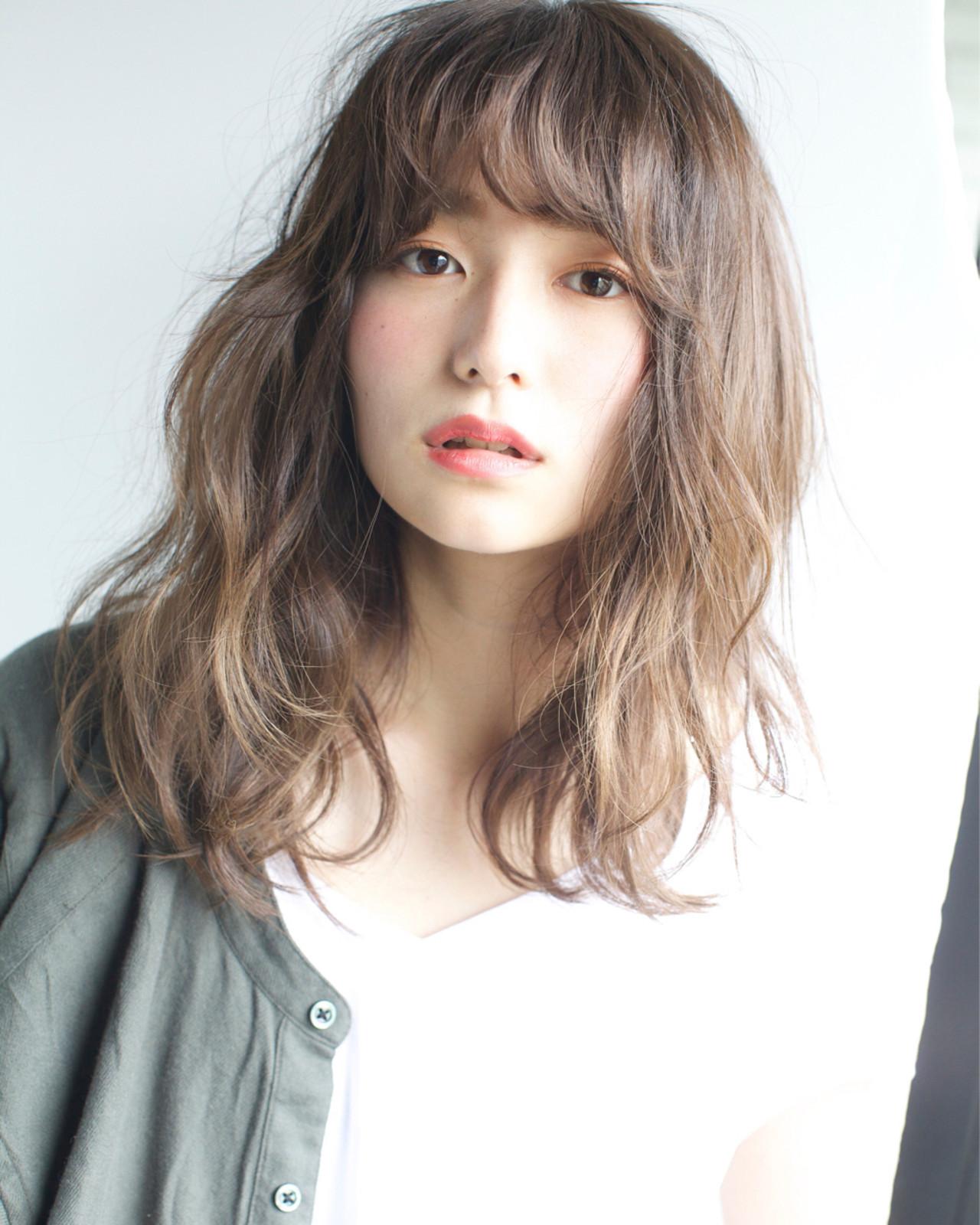 外国人風カラー パーマ 外国人風 ミディアムヘアスタイルや髪型の写真・画像