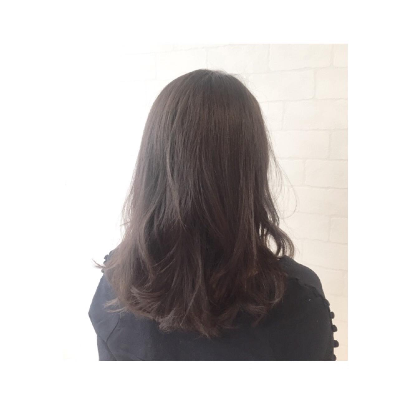 アッシュ ハイライト 外国人風 ナチュラル ヘアスタイルや髪型の写真・画像 | AKI / park by merry / park by merry