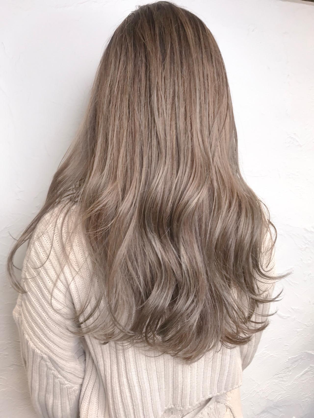 ナチュラル ロング ミルクティーブラウン ミルクティーグレージュヘアスタイルや髪型の写真・画像