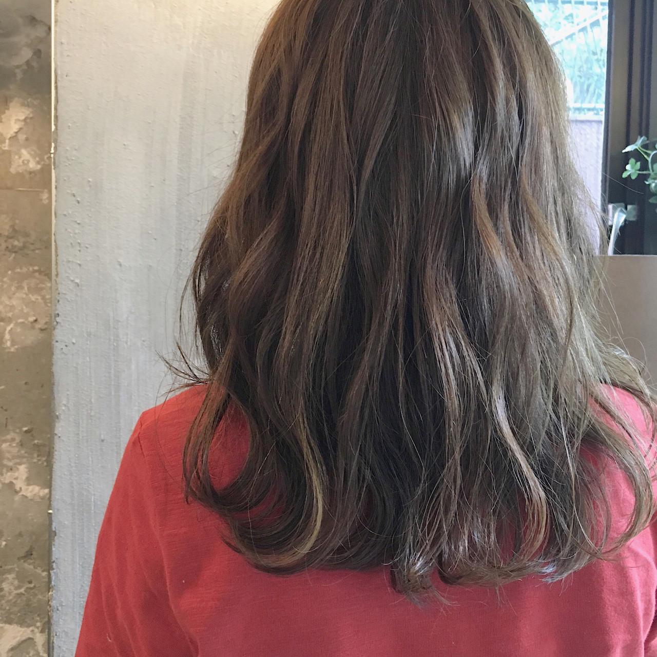 ヘアアレンジ リラックス 女子会 ミディアム ヘアスタイルや髪型の写真・画像 | 冨永 真太郎 / 人トナリ