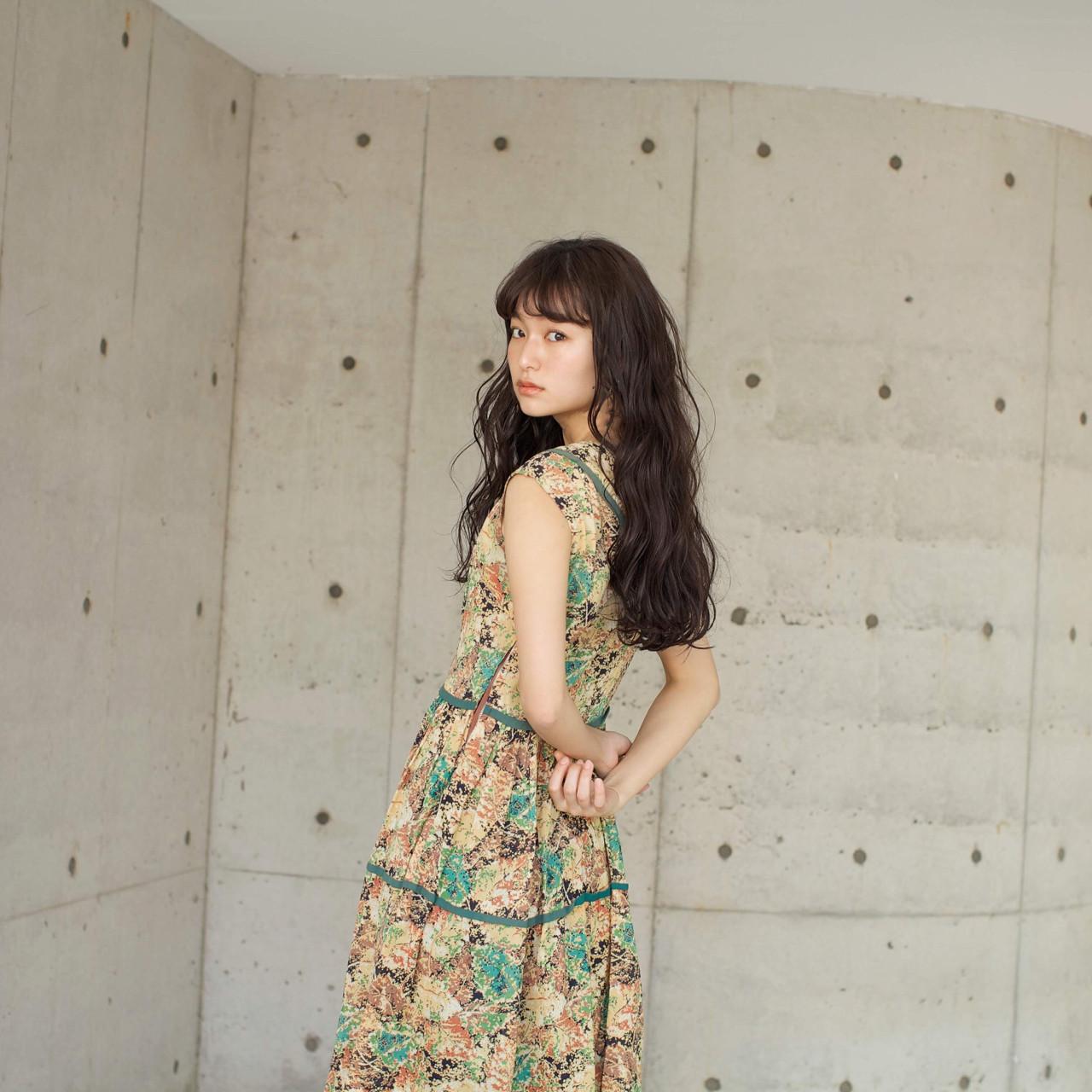 グレージュ リラックス 透明感 ゆるふわ ヘアスタイルや髪型の写真・画像   佐脇 正徳 / LOAVE AOYAMA(ローヴ アオヤマ)