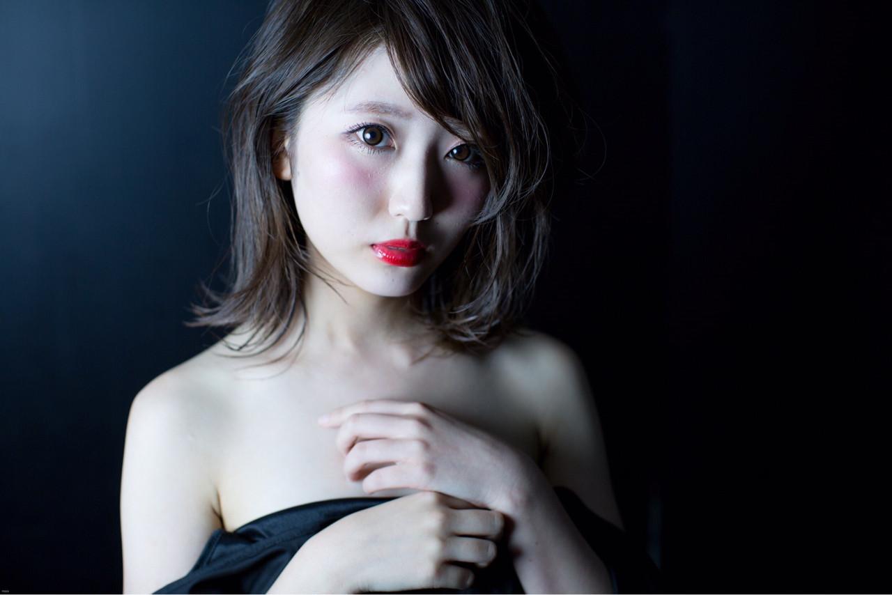 アッシュ 外国人風 黒髪 グラデーションカラー ヘアスタイルや髪型の写真・画像 | 柳田 なつみ /