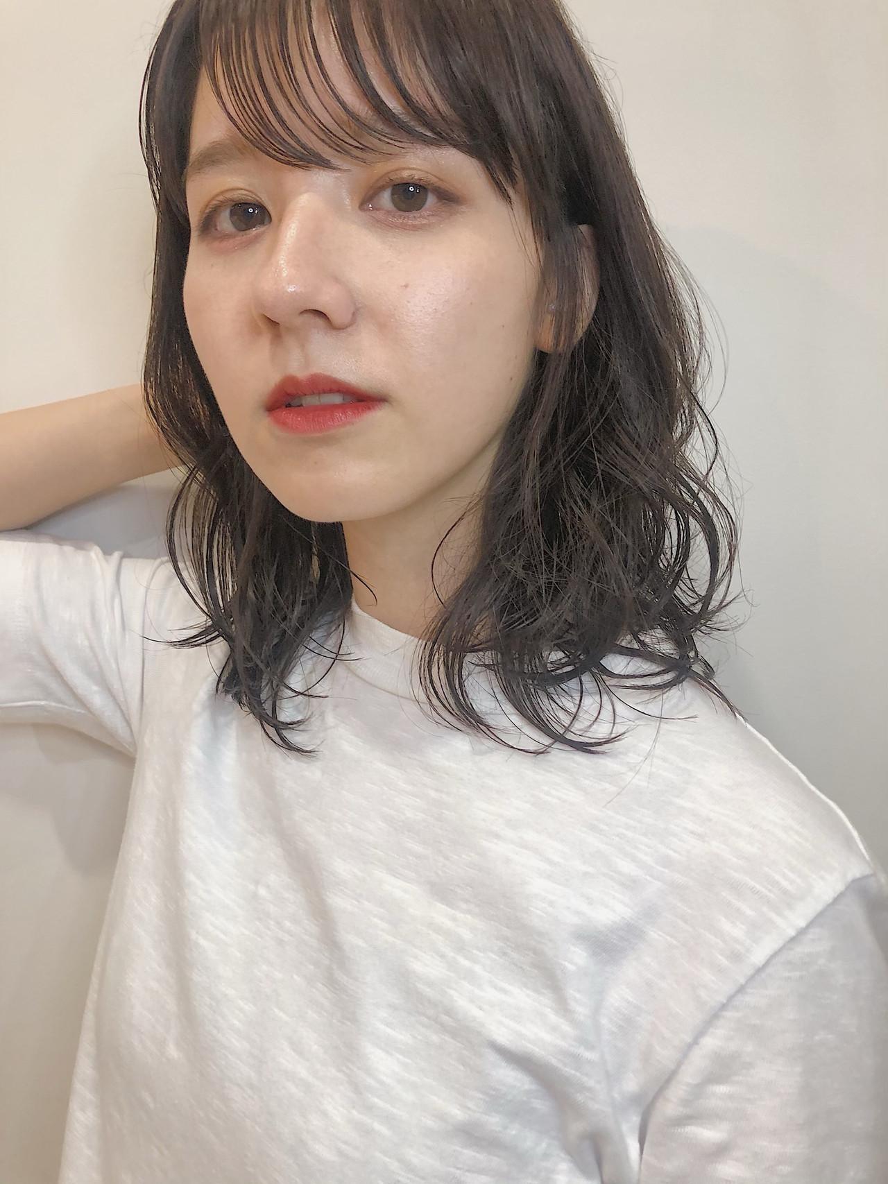 ヘアアレンジ デート 外ハネボブ ミディアム ヘアスタイルや髪型の写真・画像 | MARIA / くびれボブ レイヤー 小顔みせ / EMMA GINZA