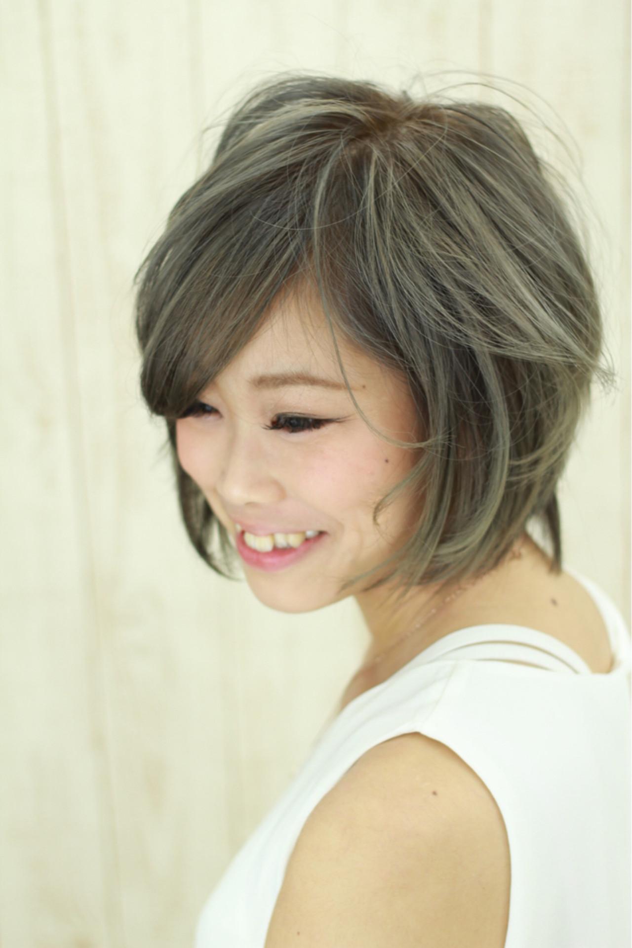 イルミナカラー 小顔 グレージュ アッシュ ヘアスタイルや髪型の写真・画像 | 大和田 誠 / Anphi 弘明寺