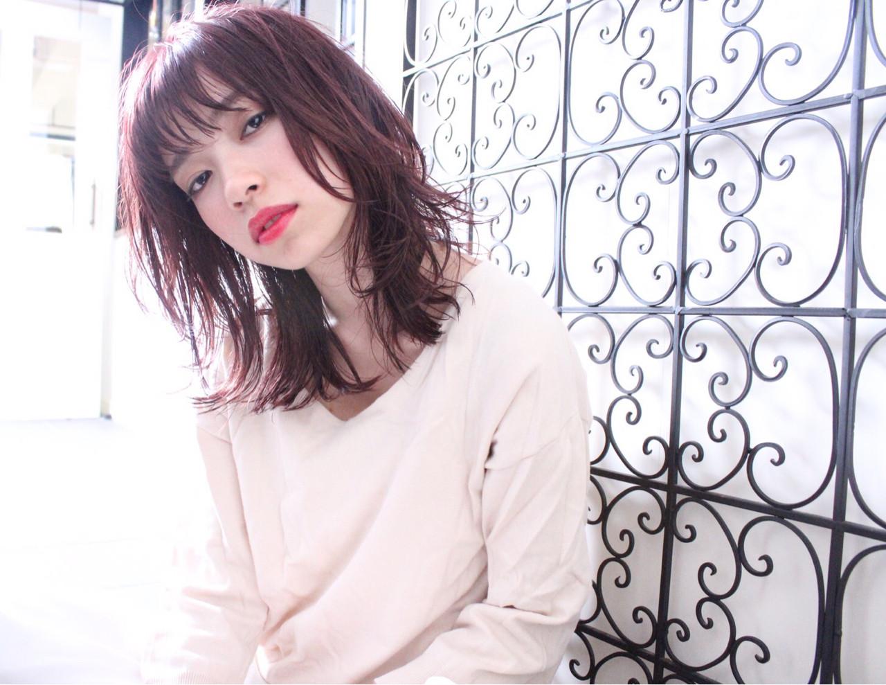 レイヤーカット 春 ミディアム ナチュラル ヘアスタイルや髪型の写真・画像 | ひろみ /