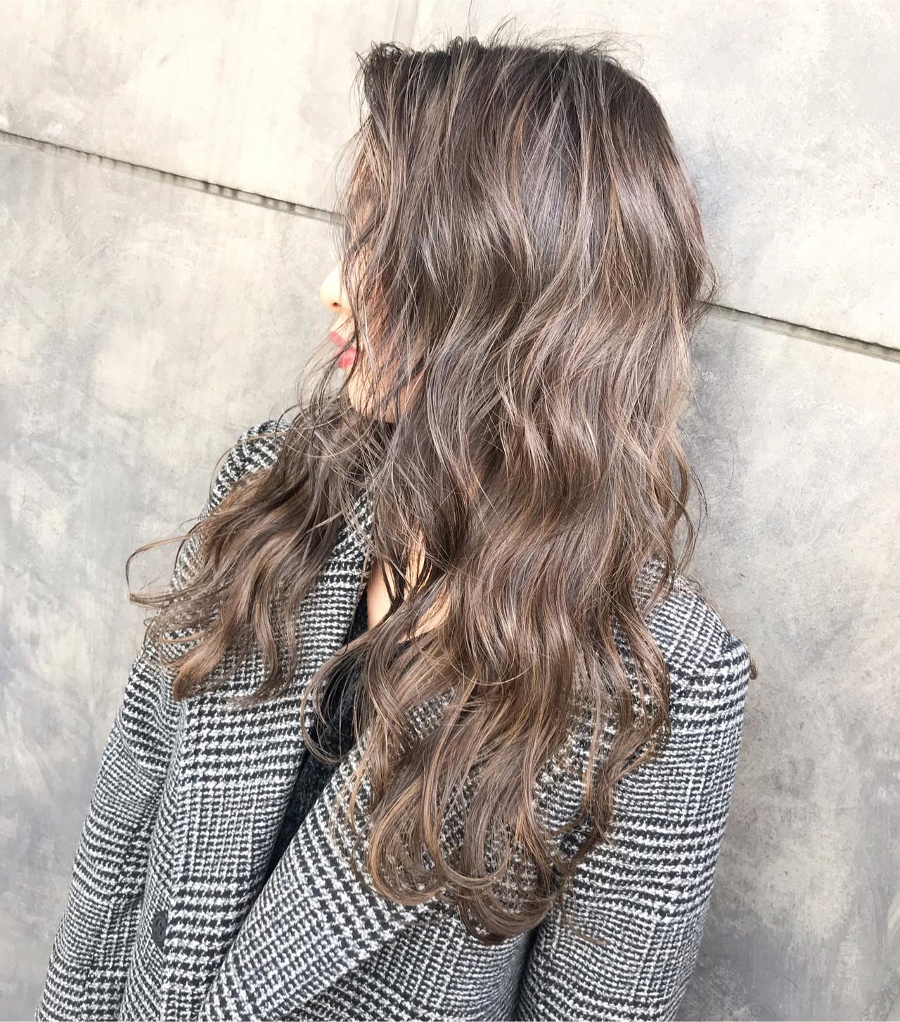 セミロング ミルクティーベージュ ブリーチカラー ストリート ヘアスタイルや髪型の写真・画像   TOMOYA / FOLK フォーク 恵比寿