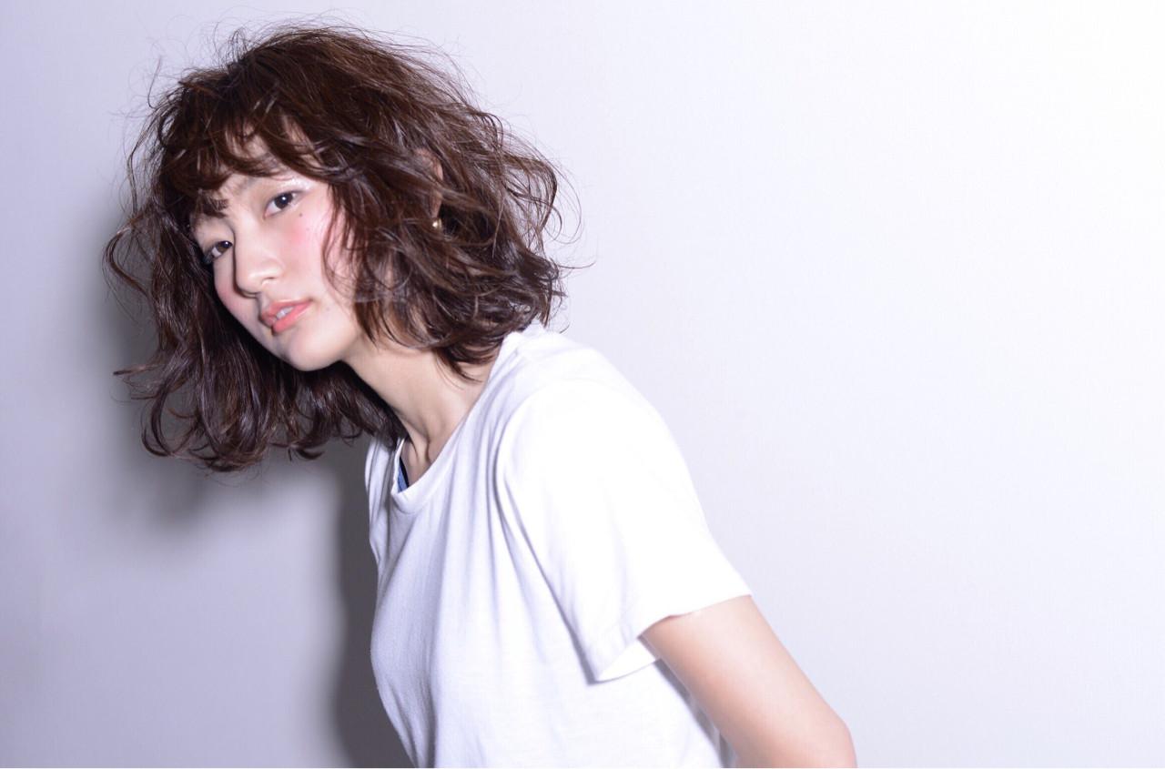 ウェットヘア ミディアム 前髪あり モード ヘアスタイルや髪型の写真・画像 | 秋山 佳奈 /