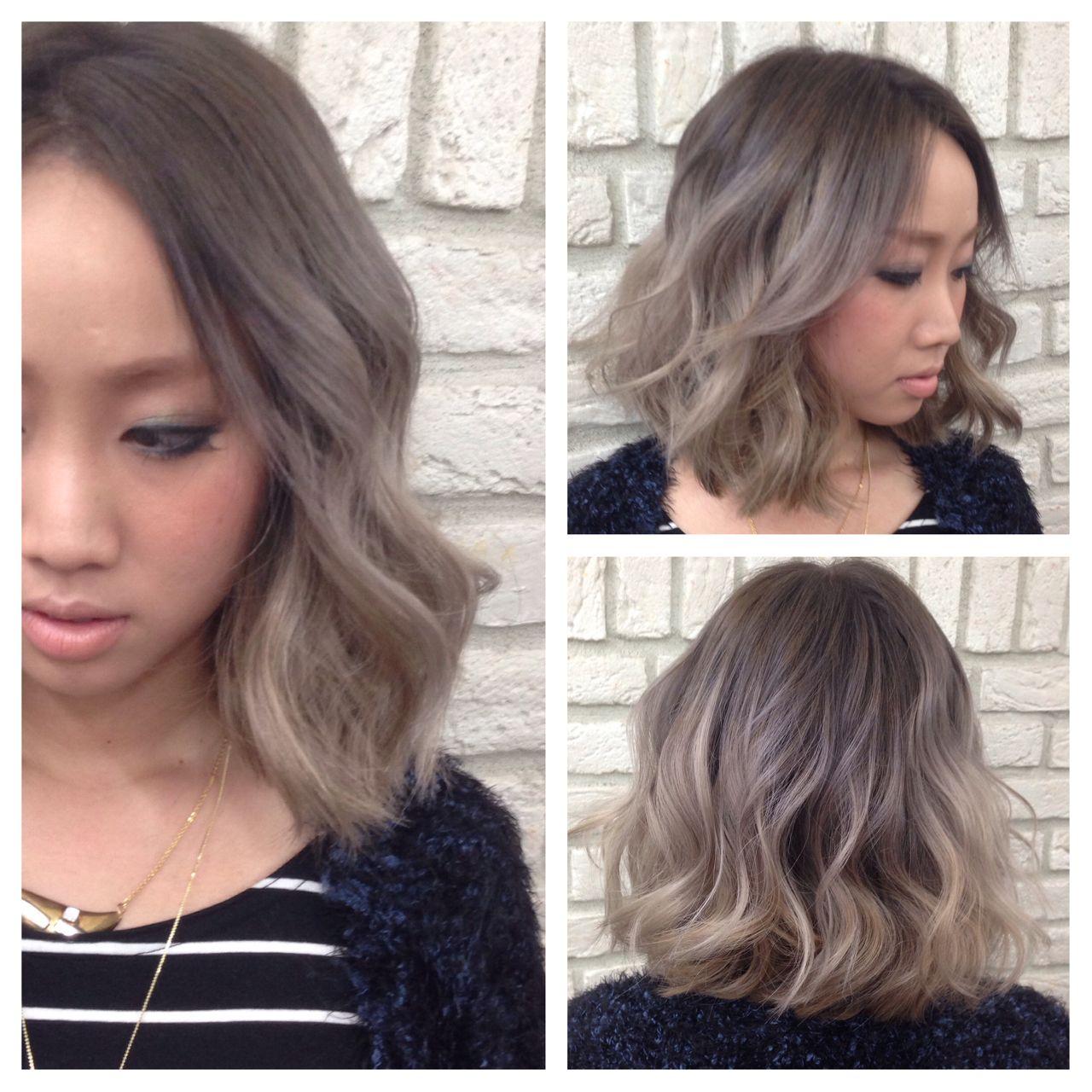 ハイトーン グラデーションカラー センターパート ミディアムヘアスタイルや髪型の写真・画像