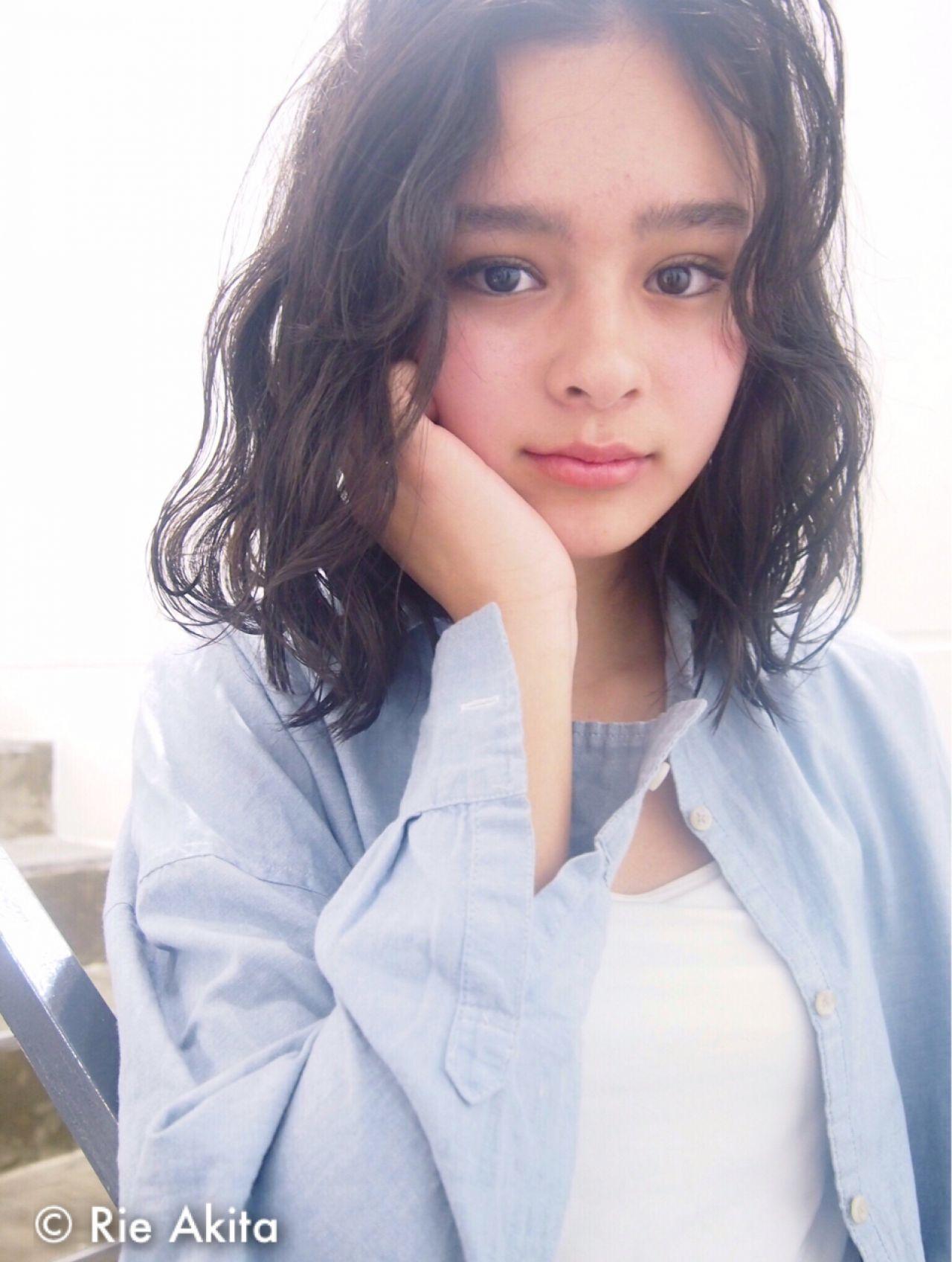 モテる黒髪はセミロングでしょ!清楚で可愛い黒髪セミロング10選! Rie Akita