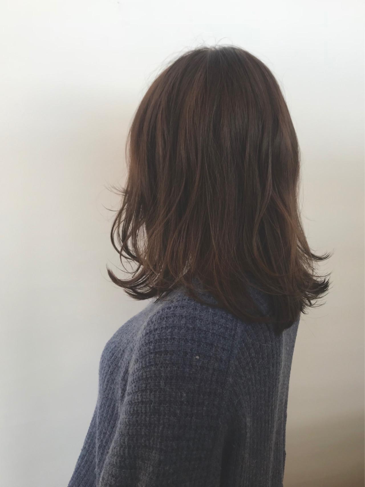 ゆるふわ 外ハネ 切りっぱなし アンニュイヘアスタイルや髪型の写真・画像