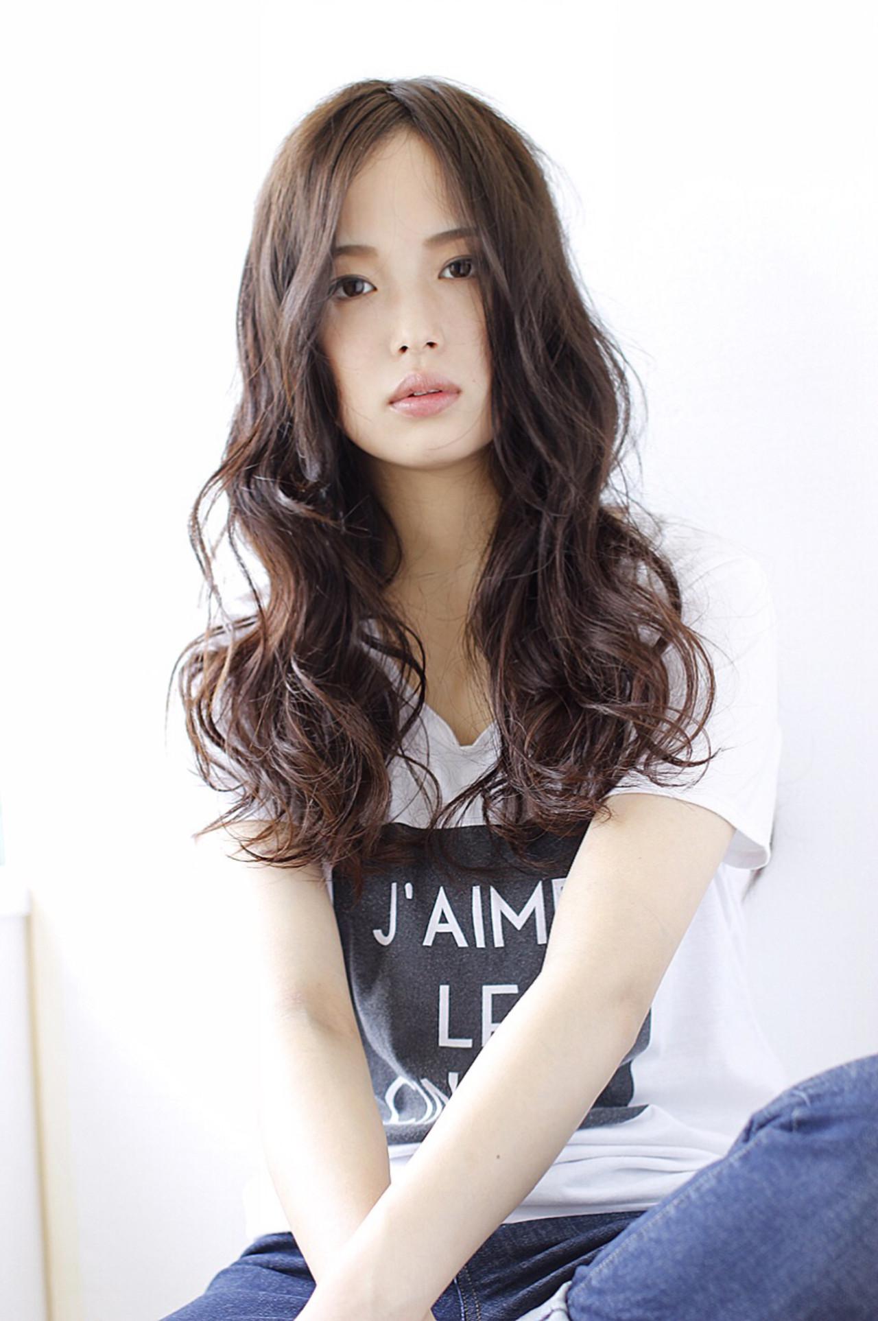 かっこいい ロング くせ毛風 ゆるふわヘアスタイルや髪型の写真・画像