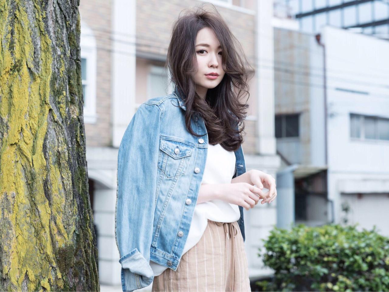 ミルクティー ナチュラル 外国人風 小顔 ヘアスタイルや髪型の写真・画像   高橋 アリサ /