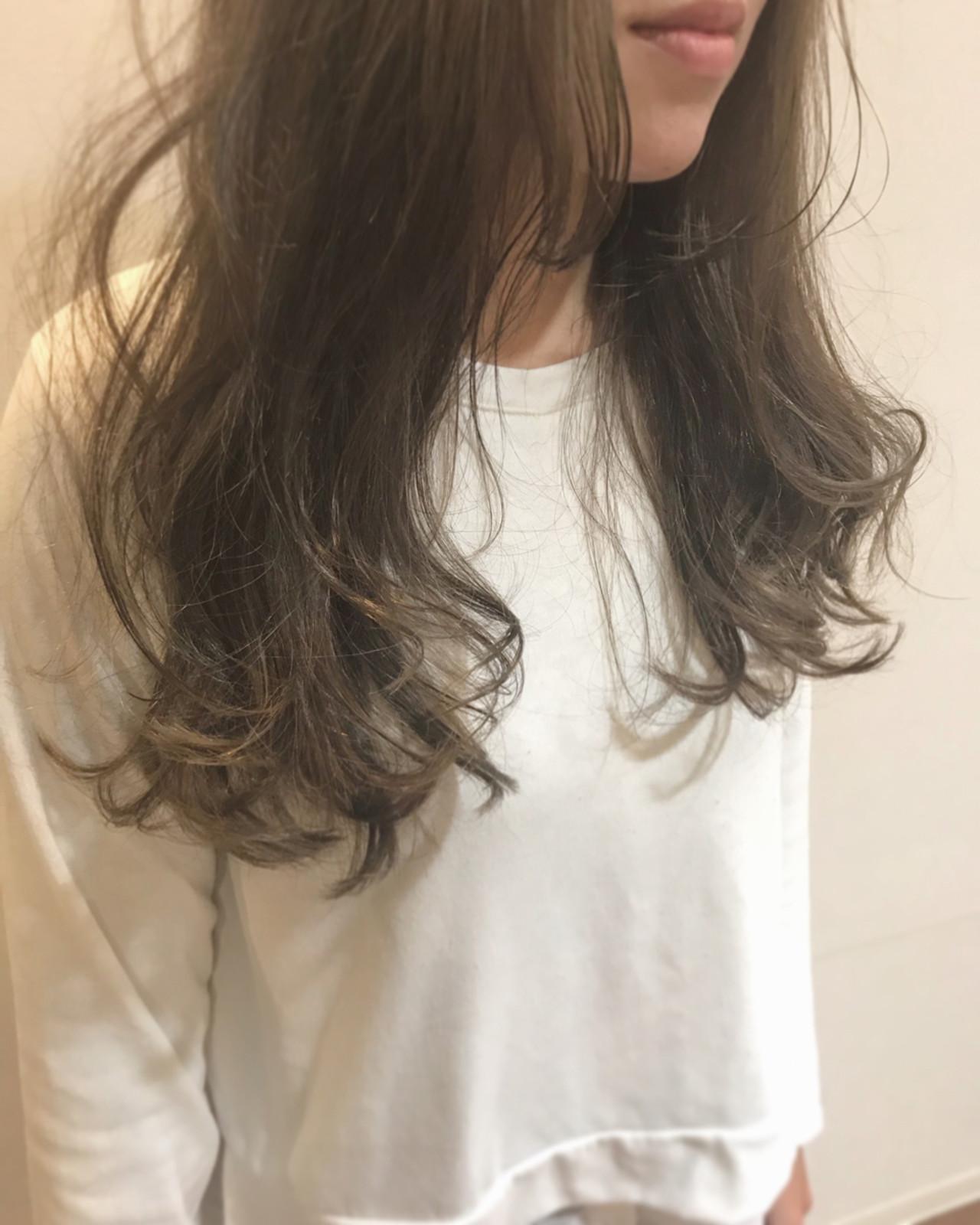 ロング オフィス ハイライト 冬 ヘアスタイルや髪型の写真・画像 | 深川裕介 / hitsuji