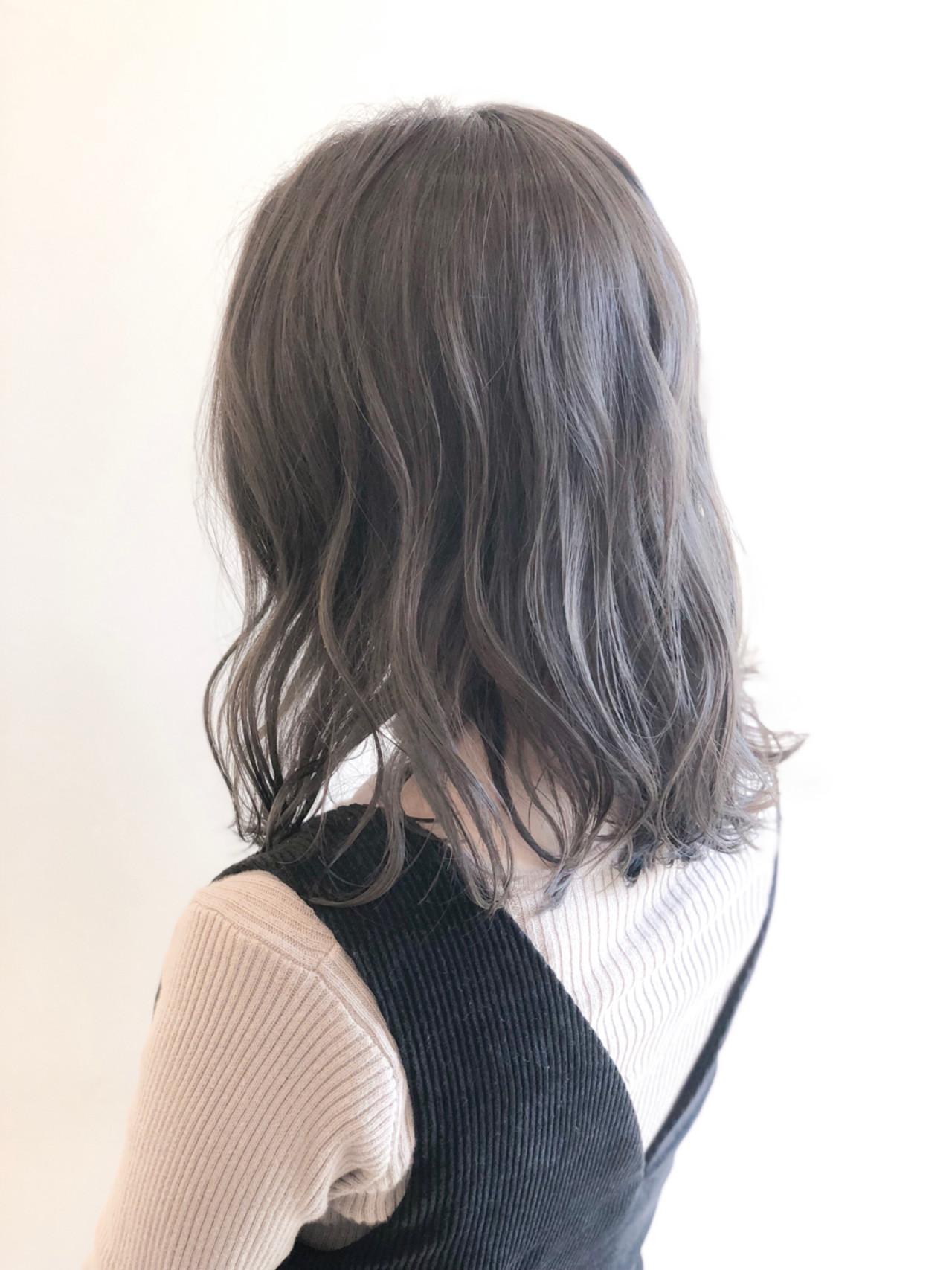 大人かわいい ミディアム オフィス 抜け感 ヘアスタイルや髪型の写真・画像 | Yuya.O / REGALO hair atelier