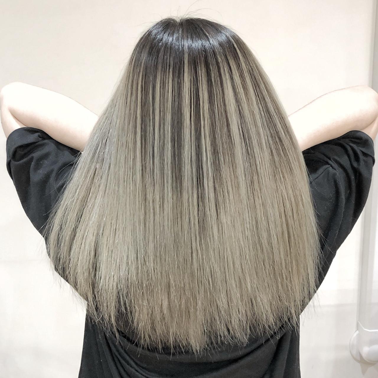 外国人風カラー バレイヤージュ ホワイトブリーチ セミロング ヘアスタイルや髪型の写真・画像   蝦名貴之 / KINTARO