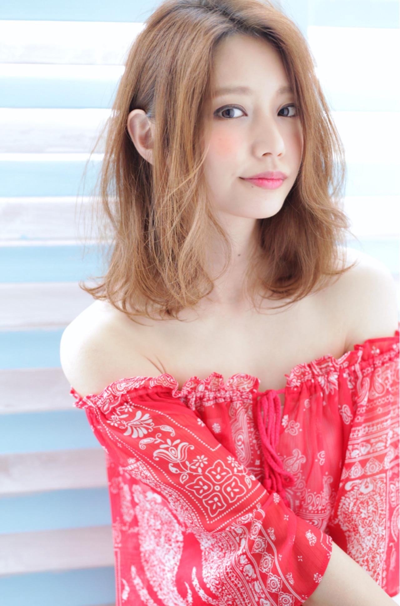 外国人風カラー ゆるふわ バレイヤージュ 耳かけ ヘアスタイルや髪型の写真・画像 | 石田 学史 / DISHEL