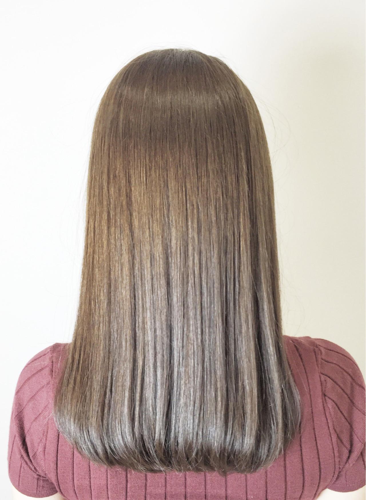 グレージュ 縮毛矯正 ロブ セミロングヘアスタイルや髪型の写真・画像