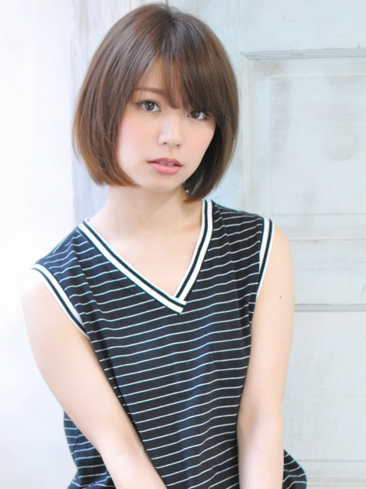 大人かわいい ピュア アッシュ ショート ヘアスタイルや髪型の写真・画像   石川フミヤ / Jule