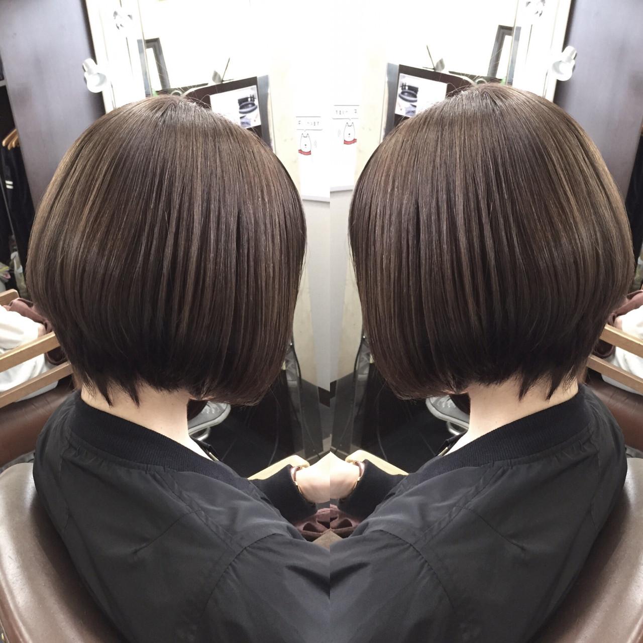 アッシュ 外国人風 ナチュラル グレージュヘアスタイルや髪型の写真・画像