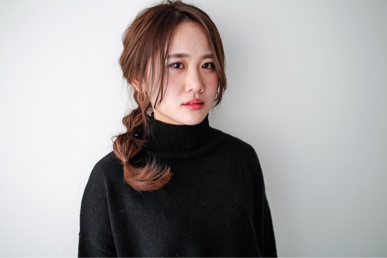 フェミニン ハーフアップ ナチュラル セミロングヘアスタイルや髪型の写真・画像