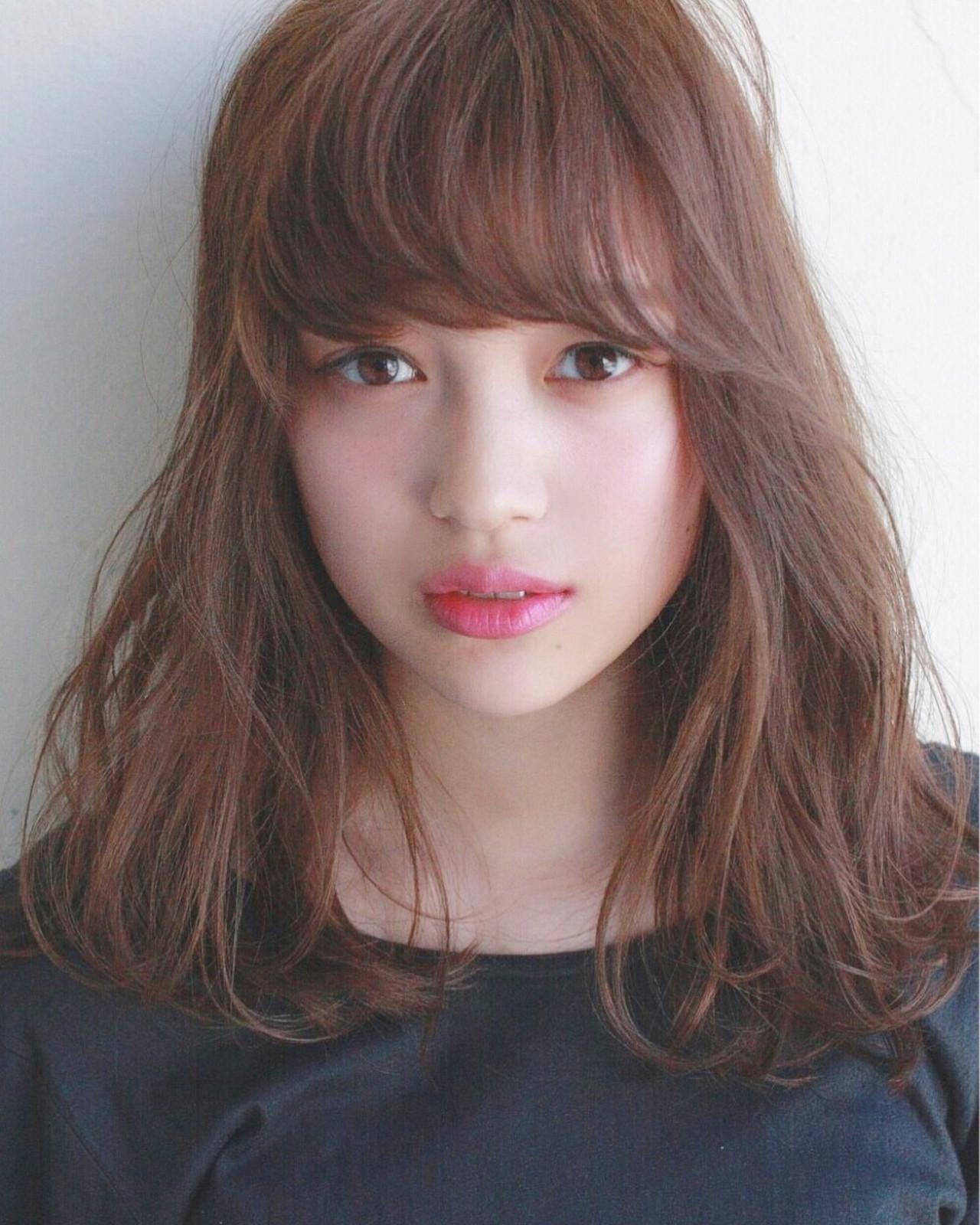 梅雨 ウェーブ アンニュイ リラックス ヘアスタイルや髪型の写真・画像 | Mirai / enntaku