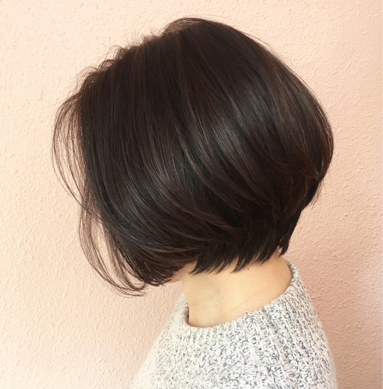 ボブ 小顔 大人かわいい ナチュラル ヘアスタイルや髪型の写真・画像 | 贄田清也 / Roamer