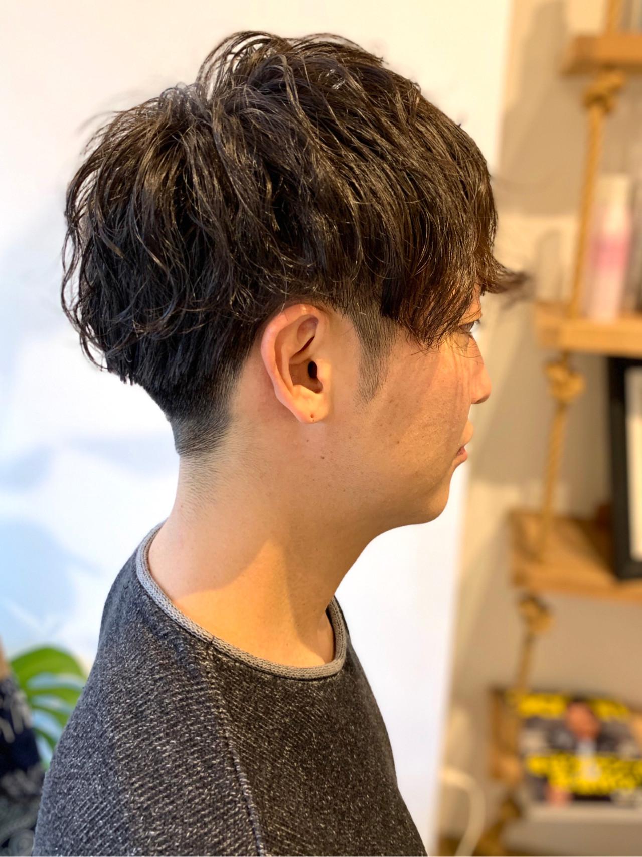ショート メンズパーマ メンズショート ナチュラルヘアスタイルや髪型の写真・画像