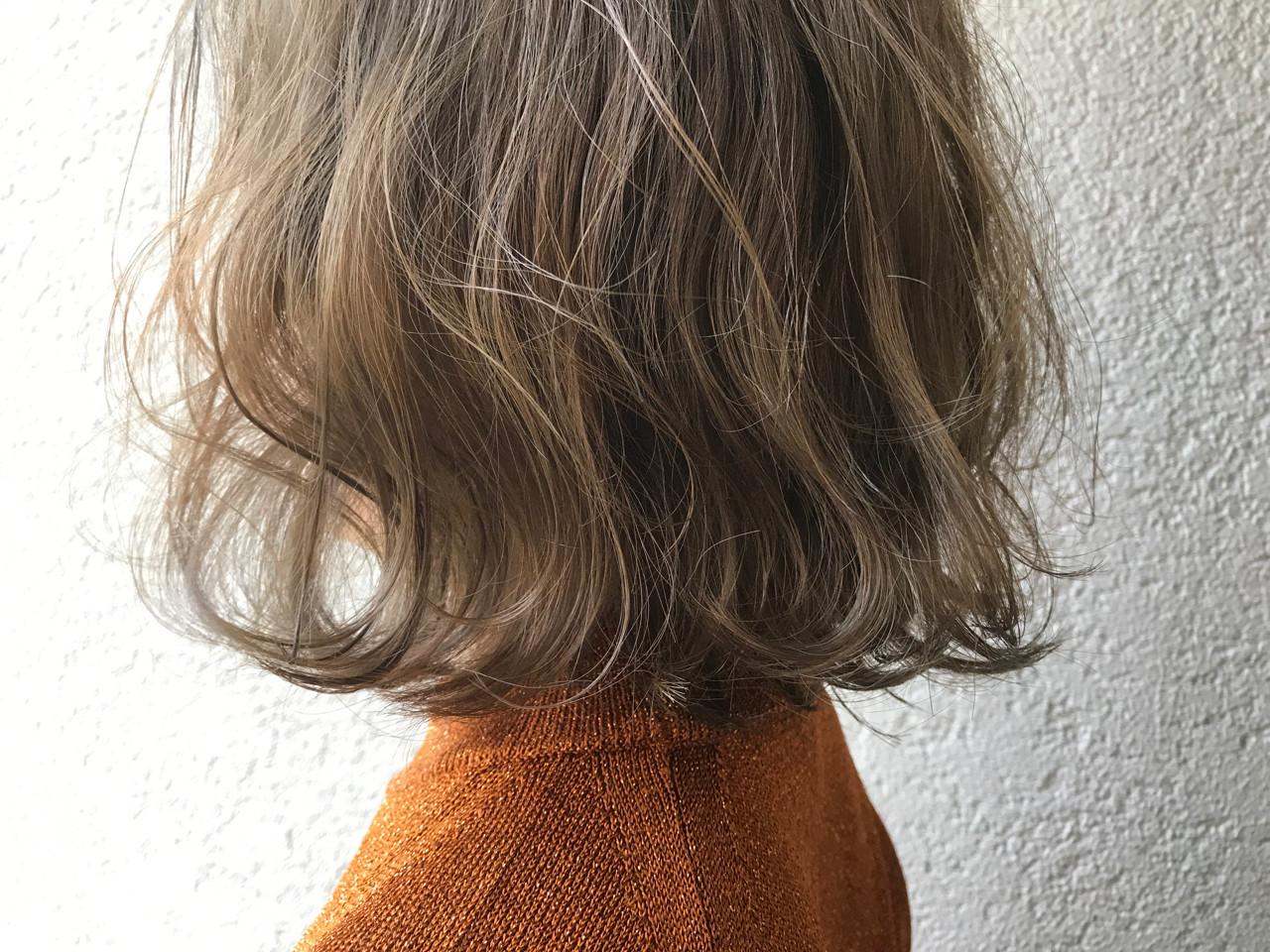 外国人風 グレー ミルクティーベージュ ナチュラル ヘアスタイルや髪型の写真・画像 | 富永暁子 / SUMMER