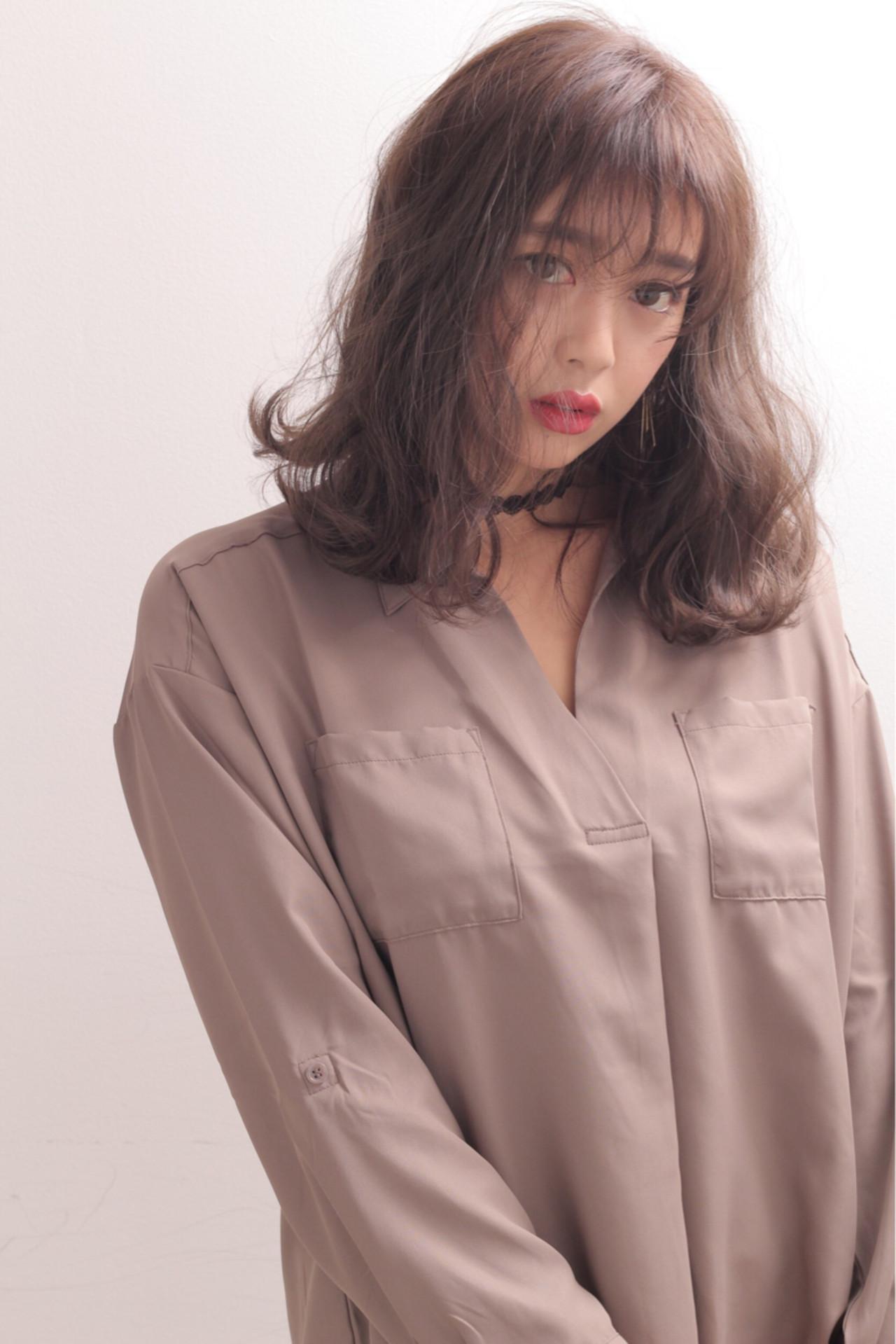 外国人風 ミディアム 暗髪 アッシュ ヘアスタイルや髪型の写真・画像 | 石田 学史 / DISHEL