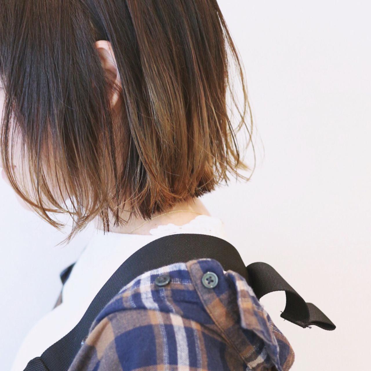 ストリート ミニボブ グラデーションカラー 切りっぱなしボブヘアスタイルや髪型の写真・画像
