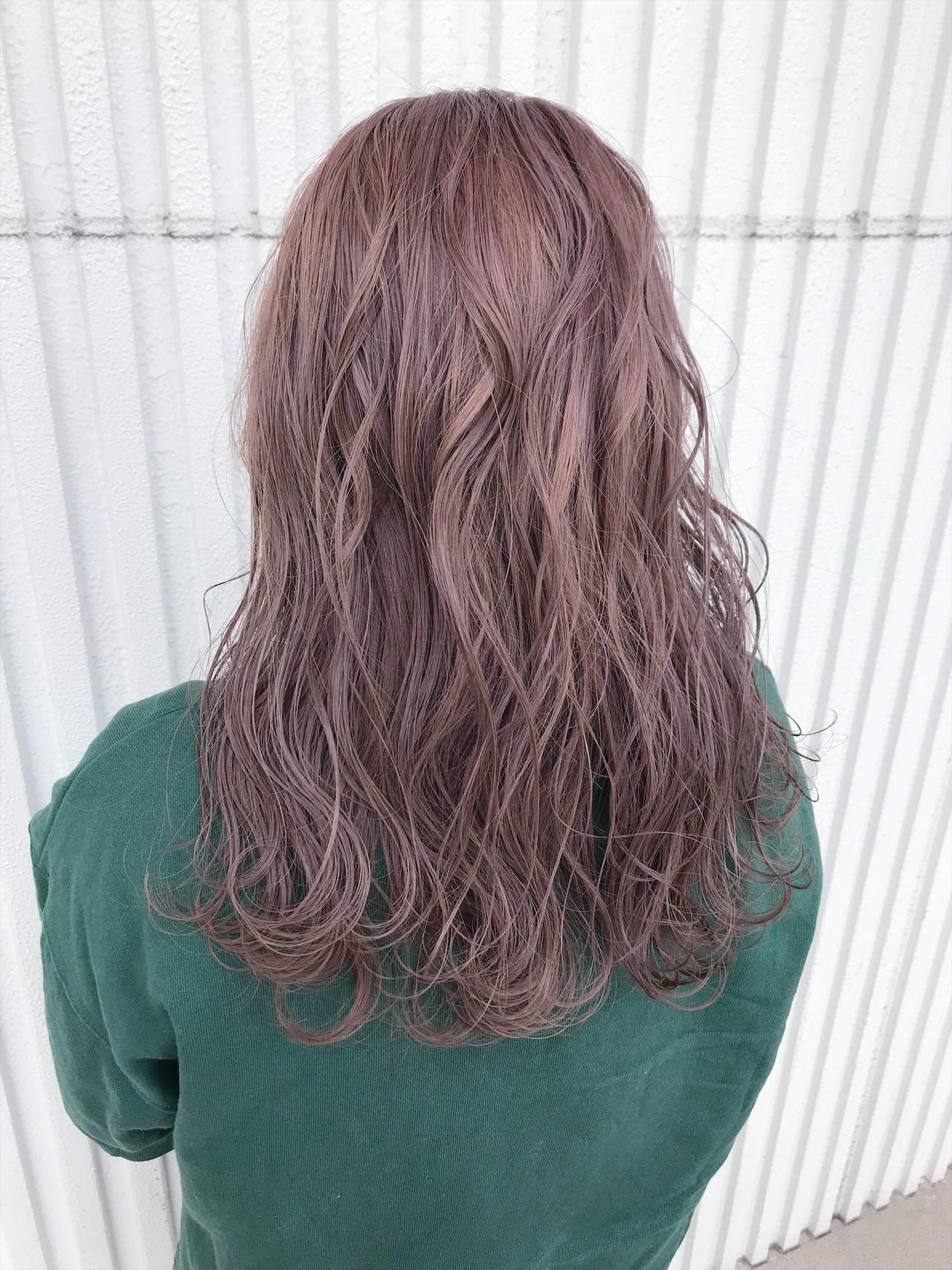 デート ラベンダー ゆるふわ ウェーブ ヘアスタイルや髪型の写真・画像   kuranico / LORE hair salon