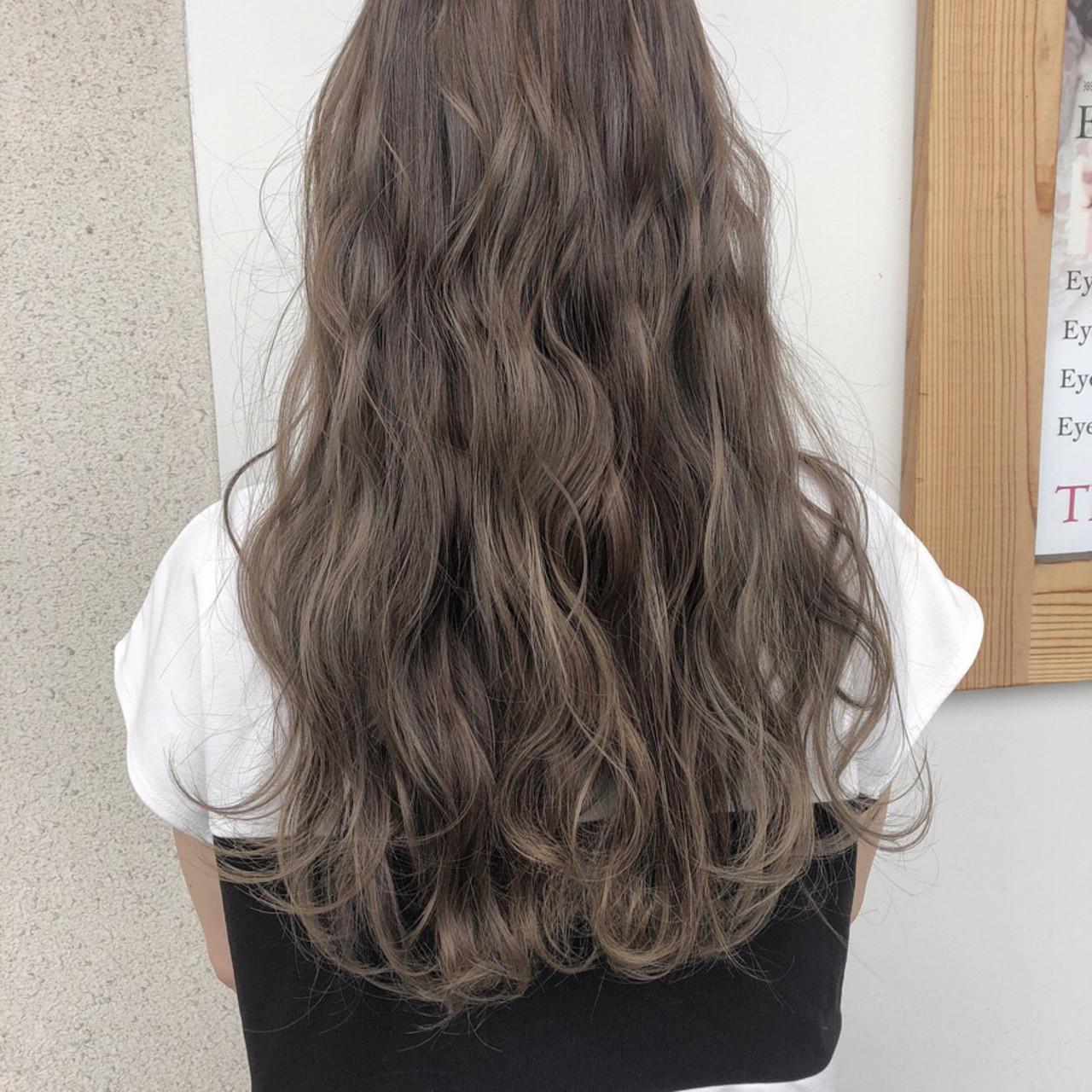 グレージュ ハイライト 外国人風 コンサバ ヘアスタイルや髪型の写真・画像 | 國方 大靖 / JILL franc(ジル フラン)